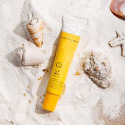Honey Sun Protection SPF 50+ / PA+++ Protecting & Moisturizing